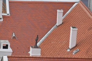 What Are The Factors That You Should Consider When Choosing A Roofing Material?